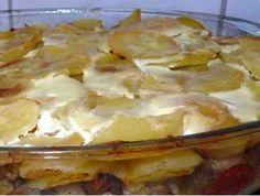brambory zapečené s pikantní klobásou a vejci