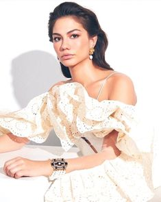 February Marie Claire Turkey 💥 I have! We had a very pleasant … – Wedding Dresses Turkish Women Beautiful, Turkish Beauty, Turkish Fashion, Turkish Actors, The Dress, Girl Crushes, Marie Claire, Cute Outfits, Style Inspiration