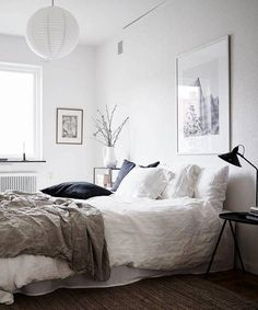 Home in warm tints - via Coco Lapine Design #whitebedroom