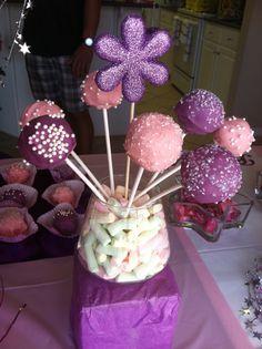 Princess cake pops Princess Cake Pops, Princess Tea Party, Princess Sophia, Princess Theme, Princess Birthday, Cupcake Recipes, Cupcake Cakes, Cupcakes, Tea Party Birthday