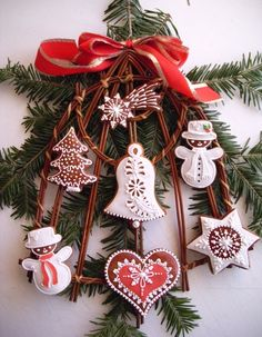 beautiful christmas cookies/decorations