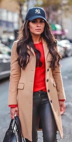 Insane Winter Outfits To Copy Right Now Winter Coat Outfits, Winter Fashion Outfits, Autumn Winter Fashion, Fall Outfits, Winter Trench Coat, Fashion Mode, Moda Fashion, Womens Fashion, Rote Pullover Outfit