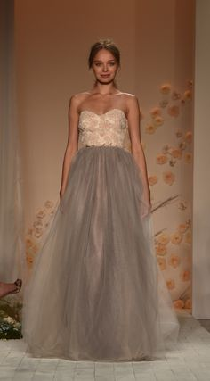 A modern day fairy tale. Steal the spotlight in this enchanting look from the LC Lauren Conrad Runway Collection.