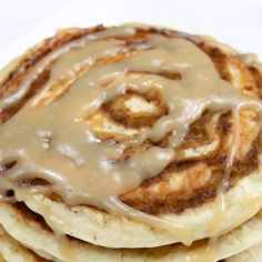 pancake videos Cinnamon Roll Pancakes Recipe are just what you need to make. Homemade pancake mix with cinnamon and sugar swirls. It is like a cinnamon bun but better! Cinnamon Roll Pancakes, Cinnamon Rolls, Pancake Recipe Cinnamon, Cinnamon Recipes, Healthy Desayunos, Breakfast Recipes, Dessert Recipes, Breakfast Ideas, Pancake Recipes