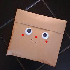 Emergency gift wrap. 👁👁 Gift Wrapper, Diys, Packing, Paper, Red, Handmade, Instagram, Gift Packaging, Bag Packaging