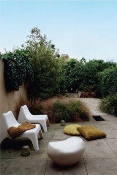 Ikea Vago chairs // image by skonahem Garden Pool, Terrace Garden, Garden Landscaping, Walled Garden, Back Gardens, Small Gardens, Outdoor Gardens, Ikea Garden Furniture, Outdoor Furniture Sets
