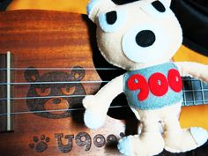 Plushie 900 by Plushism with the Anuenue U900 Ukulele.