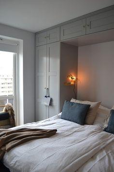 85 creative bedroom wardrobe design ideas that inspire on 1 Bedroom Green, Small Room Bedroom, Home Bedroom, Bedroom Decor, Master Bedroom Makeover, Bedroom Inspo, Scandinavian Interior Bedroom, Bedroom Built In Wardrobe, Airbnb Design