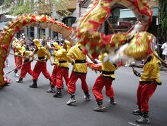Marie's Pastiche: Chinese New Year - Dragon Dance & Round Up of Dragon Crafts