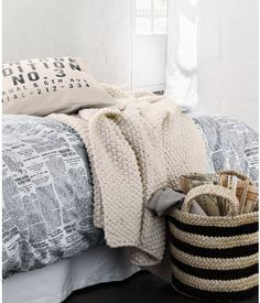 H&M Home offers a large selection of top quality interior design and decorations. Find the right accessories for your home online or in-store.