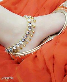 Best punjabi jutti for the woman of today Have you been curious about indian shoes Read more about Ankle Jewelry, Ankle Bracelets, Gold Jewelry, Jewlery, Baby Jewelry, Indian Wedding Jewelry, Indian Jewelry, Payal Designs Silver, Indian Shoes