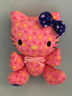 "2004 8"" Hello Kitty Pink Yellow Floral Print Plush Blue Bow Chinese Word On Foot  