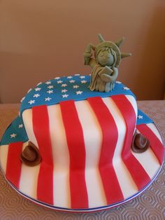 American cake, USA cake, Statue of Liberty fondant model, Stars and Stripes, www.facebook.com/spottycakes