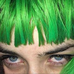 64 ideas for eye green girl photography Dragon Age Sera, Emo, Grunge, Bright Eyeshadow, Dragon Age Inquisition, Green Girl, Punk, Powerpuff Girls, Girl Photography