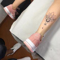 I – Andrea Montanez – Elissar Mehdi – # – Flower Tattoo Designs - diy tattoo images Simba Tattoo, Lotusblume Tattoo, Mandala Tattoo, Piercing Tattoo, Tattoo Fonts, Piercings, Tattoo On Calf, Back Of Ankle Tattoo, Mini Tattoos