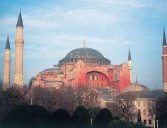 Es la iglesia bizantina más importante del mundo, y fue comenzada a erigir en el año 532, durante el... - Copyright © 2015 Hearst Magazines, S.L.