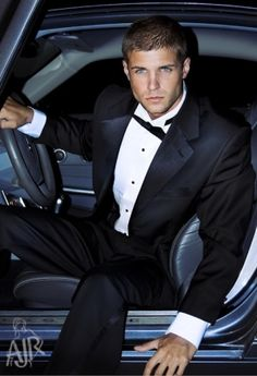 Hunky male model wearing tuxedo and getting out of his car . - Develop the sexual presence of a model! Click the pic.: セクシーな男性, メンズファッション, 男性用, 男, 熱い男 Sharp Dressed Man, Well Dressed Men, Don Corleone, Look Fashion, Mens Fashion, Black Tie Affair, Gorgeous Men, Dead Gorgeous, Male Models