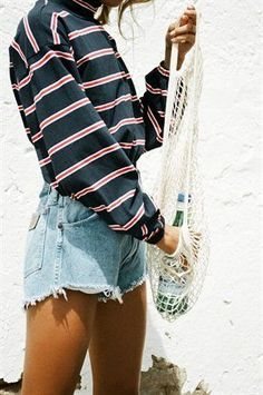 Midnight stripe top - tops in 2019 cute outfits серая мода, Cute Casual Outfits, Cute Summer Outfits, Spring Outfits, Casual Shorts Outfit, Basic Outfits, Surfergirl Style, Teen Fashion, Fashion Outfits, Style Fashion