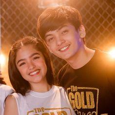 Marga & Mikoy 💛 (sorry po sa crop) Shillong, Couple Aesthetic, Ulzzang Couple, Teen Actresses, Filipina, Couple Goals, Pretty Girls, Singers, Aesthetics