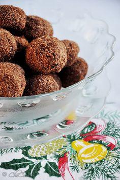 CoLoRes, SaBoRes, oLoRes...CoLoRs, TaSTeS, SmeLLS: chocolate almond cookies/galletitas de chocolate y almendras