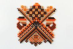 Hama kralen kunst door Kathrine Højriis via lieveleersbeestje