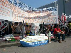 NoGrandiNavi Venezia @NoGrandiNaviVe 4 min  Ecco le proporzioni tra #grandinavi e #venezia #7g #tuttigiuperterra fermiamo le #grandiopere salviamo #venezia