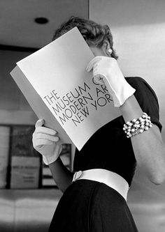 Model Jean Patchett at the Museum of Modern Art, New York. Photo: Nina Leen for LIFE, 1949.