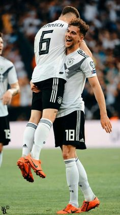 Football Is Life, Football Players, Dfb Team, Champions Of The World, Fc Bayern Munich, Lewandowski, Indian Summer, Liverpool Fc, Superstar
