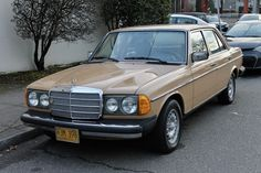 Bid for the chance to own a 1977 Mercedes-Benz at auction with Bring a Trailer, the home of the best vintage and classic cars online. Classic European Cars, Classic Cars Online, Mercedes Benz World, Classic Mercedes Benz, Steyr, Cars Birthday Parties, Maybach, New Tyres, Diesel Engine