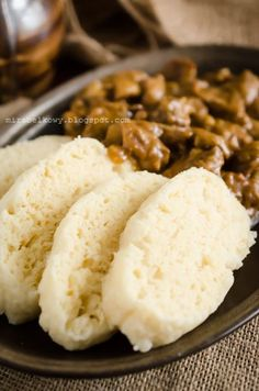 Mirabelkowy blog: Houskový knedlik (czeski knedel) Sweets Recipes, Appetizer Recipes, Dinner Recipes, Cooking Recipes, My Favorite Food, Favorite Recipes, Czech Recipes, Polish Recipes, Home Food