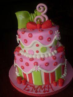 Strawberry Shortcake Cake - Very similiar to the one I made for Brittny's Strawberry Cream Cakes, Strawberry Shortcake Birthday, Fancy Cakes, Cute Cakes, Awesome Cakes, Yummy Cakes, 3rd Birthday Cakes, Birthday Fun, Birthday Ideas