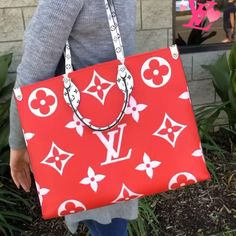 You can find pretty nice Gucci handbag replicas but all in all the authentic designer handbags offer more value for the money. Vuitton Bag, Louis Vuitton Handbags, Purses And Handbags, Louis Vuitton Monogram, Luxury Purses, Luxury Bags, Luxury Handbags, Tote Bags, Fendi Purses