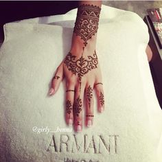 Girly henna hand ideas Instagram @girly.henna