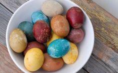 Oua vopsite cu vopsele naturale