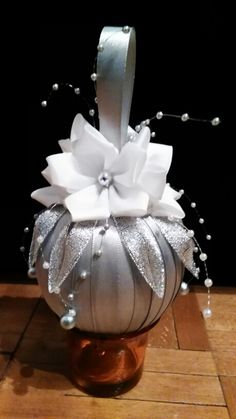 Vianočná guľa Bielo-sivo-strieborná christmas 2015