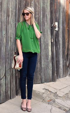 leopard flats, kelly green, skinny jeans, and a chunky necklaces.