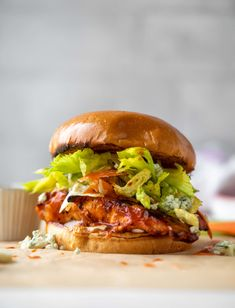 grilled buffalo chicken sandwiches with gorgonzola slaw Perfect Grilled Chicken, Grilled Buffalo Chicken, Spicy Grilled Chicken, Buffalo Chicken Sandwiches, Grilled Chicken Sandwiches, Gorgonzola Cheese, Easy Dinner Recipes, Easy Meals, Bon Appetit