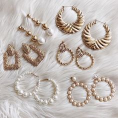 Accessories l earrings l cute jewelry l spring style l gold jewelry l jewelry inspo l flatlay inspo l flatlay ideas l summer style l pearl earrings Stylish Jewelry, Cute Jewelry, Gold Jewelry, Jewelry Accessories, Fashion Accessories, Fashion Jewelry, Vintage Accessories, Jewelry Ideas, Fashion Earrings
