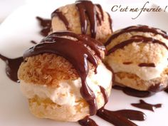 Profiteroles démoniaques by Michalak Profiteroles Recipe, Eclairs, Cracker Toffee, French Patisserie, Fancy Desserts, Cheat Meal, Bakery, Cheesecake, Dessert Recipes