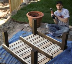 hey sis!: Weekend Warrior: DIY Pallet Table