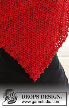 DROPS šátek v barvě vánoc háčkovaný z příze Cotton Viscose a přípletu Glitter.