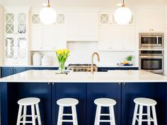 navy blue kitchen decor and white cabinets uk Dark Blue Kitchen Cabinets, Blue White Kitchens, Painting Kitchen Cabinets, Large Cabinets, White Cabinets, Upper Cabinets, Glass Cabinets, White Kitchen Decor, Kitchen Colors