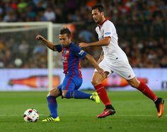 Jordi Alba en acción durante el partido.