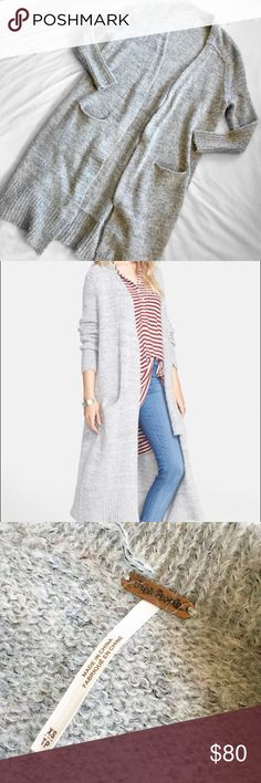"""Free People Santa Cruz Grey Alpaca Duster Cardigan Free People • Size XS, but could likely fit up to a size M due to the stretchiness and loose / open fit • Pale heather gray with ribbed edges and sleeve cuffs • In perfect condition except for a snag on the inside of the collar by the tag (shown in photos) • Super soft, like wearing a blanket! • Sleeve inseam: approx. 16.75"""" long. Length (measured from under the arm to the bottom of the cardigan): approx. 31"""" long. • Has front pockets Free…"""