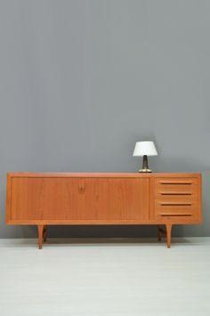 Deens Dressoir / Danish Sideboard 17493