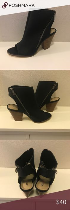 NWT JustFab Ashna Peep Toe Heeled Bootie These Size 9 JustFab Black Perforated Heeled Bootie with a open toe are a perfect staple in everyone wardrobe! True to Size. Heel: 3.25in. Comes in Box!  🚫Trades/Holds🚫 📦Ships same day if PO is open📦 💰Firm Price JustFab Shoes Heels