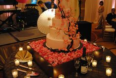 If I ever get married, this will be my wedding cake. #wedding #cake #cherry blossoms