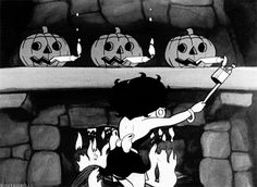 moonbrains:  gravesandghouls:  Betty Boop's Halloween Party (1933)  also me
