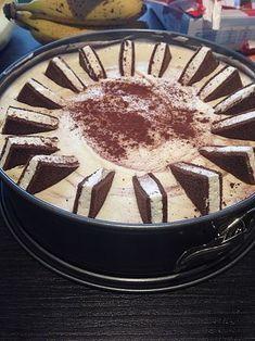 Milchschnittentorte Milchschnittentorte 13 The post Milchschnittentorte appeared first on Kuchen Rezepte. Baking Recipes, Cookie Recipes, Dessert Recipes, Baking Desserts, Cupcake Recipes, Cupcakes Decorados, Gula, Milk Cake, Cheesecake Cupcakes
