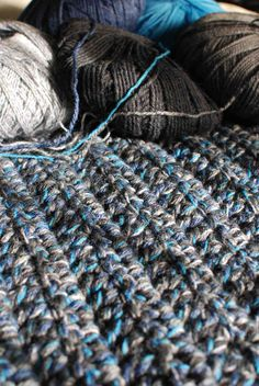Chunky 5-Yarn Double Crochet Blanket/ I will Make this!!